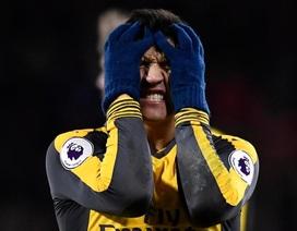 Ức chế, Alexis Sanchez không thèm nói chuyện với ai ở Arsenal