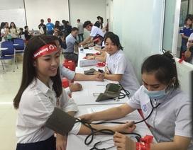 TPHCM: Hoa hậu Mỹ Linh cùng hàng nghìn SV hiến máu nhân đạo