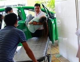 49 công nhân ngộ độc thực phẩm phải nhập viện