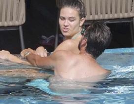 4 ngày ở Cannes, Scott Disick tình tứ với 4 cô gái khác nhau!