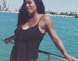 Serena Williams sinh con gái
