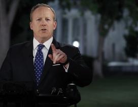 Thư ký Nhà Trắng lánh mặt phóng viên sau tin sốc sa thải Giám đốc FBI