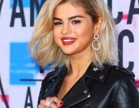 Selena Gomez khoe tóc mới cực xinh tại lễ trao giải AMA 2017