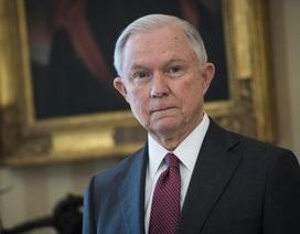 Bộ trưởng Tư pháp Mỹ bị đề nghị từ chức vì bí mật liên hệ với quan chức Nga