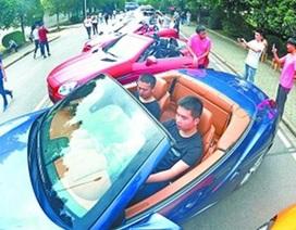 Trường sắm hẳn 20 xe sang về cho sinh viên… học tháo lắp