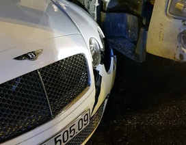 Hà Nội: Siêu xe Bentley toác đầu vì va chạm với xe bồn