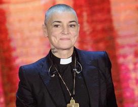 Vừa livestream kể khổ, Sinéad O'Connor phải nhập viện cấp cứu