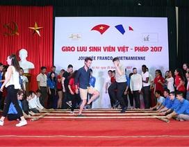 Sinh viên Việt – Pháp cuồng nhiệt trong buổi giao lưu