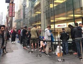 Chen chân xếp hàng khắp nơi trên thế giới trong ngày mở bán iPhone X