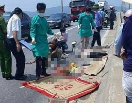 Mẹ mang bầu và con gái tử nạn dưới bánh xe đầu kéo