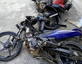 Hai xe máy tông nhau trực diện, 4 thanh niên tử vong