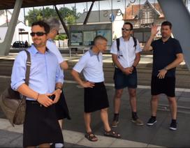 Tài xế Pháp mặc váy đi làm vì thời tiết nóng
