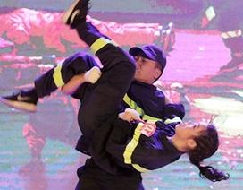 Á khôi ĐH Phòng cháy chữa cháy kể chuyện nghề bằng vũ đạo