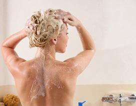 5 thói quen tắm gây hại cho da