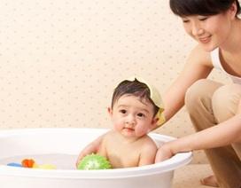"""Những quan niệm nuôi con """"truyền đời"""" làm khó mẹ Việt"""
