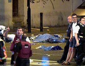 Xe tải lao vào đám đông ở thủ đô London, ít nhất 1 người chết