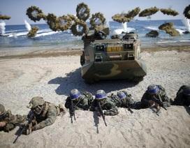 """Mỹ tập trận phá kho vũ khí Triều Tiên giữa lúc """"nước sôi lửa bỏng"""""""