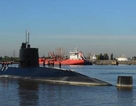 """Tàu ngầm Argentina chở 44 người nổi lên mặt nước """"cầu cứu"""" trước khi mất tích"""