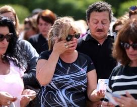 """Gia đình """"đỏ mắt"""" chờ thủy thủ trên tàu ngầm Argentina mất tích trở về"""