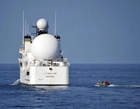 Tàu Iran áp sát tàu Hải quân Mỹ tại eo Hormuz