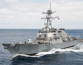 Tàu khu trục Mỹ va chạm tàu Nhật Bản