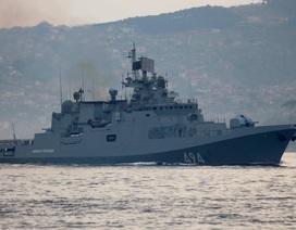 Tàu chiến Nga tiến về phía tàu Mỹ đã dội tên lửa vào Syria