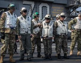 Quan chức quân đội Mỹ, Hàn thăm tàu sân bay hạt nhân của Mỹ