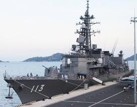 Dàn khí tài hiện đại trên chiến hạm Nhật Bản đang cập cảng Cam Ranh