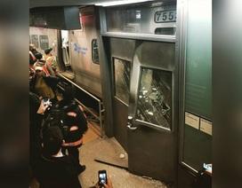 Mỹ: Tàu hỏa trật đường ray ở New York, hơn 100 người bị thương