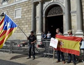 Catalonia chính thức mất quyền tự trị