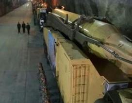 Iran tiết lộ nhà máy ngầm sản xuất tên lửa đạn đạo
