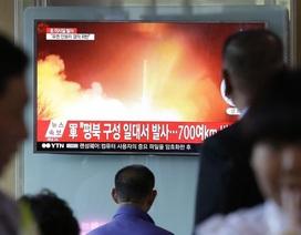 """Chuyên gia """"mổ xẻ"""" vụ thử tên lửa của Triều Tiên"""
