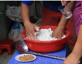 Tết Hàn thực: Bán hết cả tạ bột nếp, lãi tiền triệu một ngày