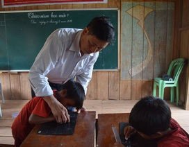 Người thầy gần 40 năm gieo chữ vùng cao