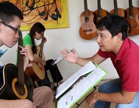 Lê Hùng Phong: Dạy đàn như dính doping