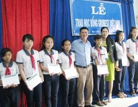 60 suất học bổng Grobest Việt Nam đến với học sinh Cà Mau, Bạc Liêu