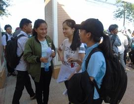 Thi vào lớp 10 tại Quảng Bình: Thí sinh hào hứng vì đề thi môn chuyên vừa sức