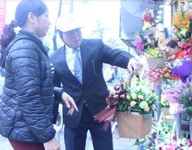 Hà Nội: Hoa tươi tăng giá vẫn hút khách dịp 8/3