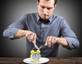 Không phải là ăn gì mà thời điểm ăn uống mới quyết định cân nặng của bạn