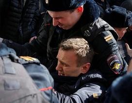 Thủ lĩnh đối lập Nga bị bắt trong lúc biểu tình