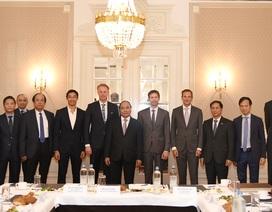 Thủ tướng đối thoại với doanh nghiệp Hà Lan ngay trong bữa sáng