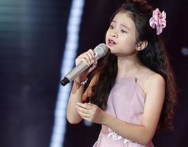"""Khán giả rơi nước mắt khi học trò Hương Tràm hát hit """"triệu view"""" của HLV"""