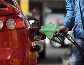Độc giả bức xúc với đề xuất tăng thuế môi trường xăng dầu lên 8.000 đồng/lít