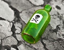 Ông lão tử vong sau khi được người tình trẻ mời bia pha thuốc độc