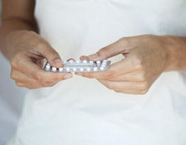 Cảnh báo nguy cơ ung thư vú từ thuốc tránh thai