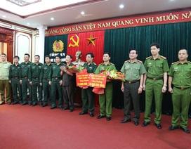 Trao thưởng nóng vụ bắt đối tượng người Trung Quốc vận chuyển 11kg ma túy