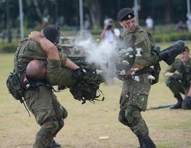 Binh sĩ Nga phô diễn sức mạnh chiến đấu tại Philippines