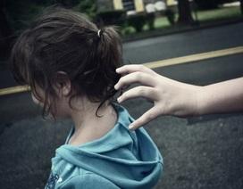 Tiến sĩ tâm lý chỉ rõ 8 sai lầm bố mẹ đẩy con vào vòng nguy hiểm