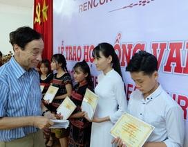Trao học bổng Vallet đến học sinh, sinh viên xuất sắc tại Đà Nẵng