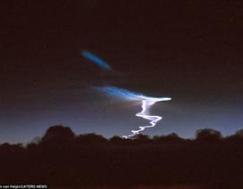 Phi công kể khoảnh khắc thấy tên lửa Trung Quốc vụt qua ở độ cao 10.000m